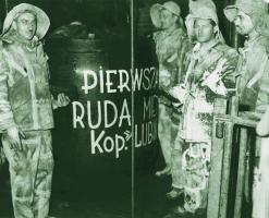 Górnicy drążący szyb L-III z pierwszą rudą miedzi